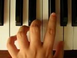 ピアノを弾かないなんて損してますよ!独学でピアノ弾いて脳を活性化させよう