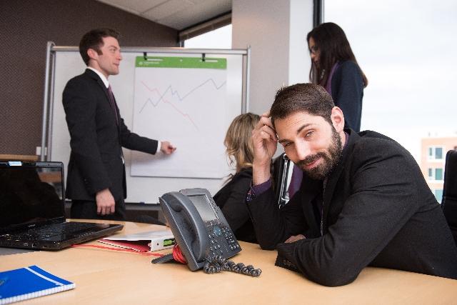 つまらない会議が会社をダメにする理由
