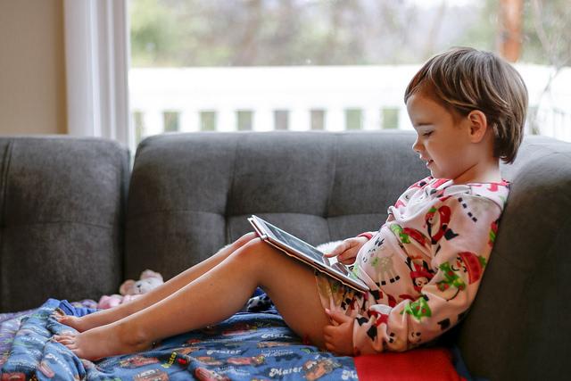 【子育て】子供にタブレットを持たせるとどうなるの?そのメリットとデメリット
